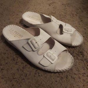 Shoes - La Plume white sandals